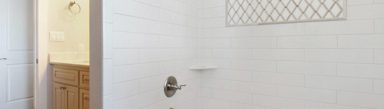 Biloxi, Mississippi Area Construction Guest Bath View 2